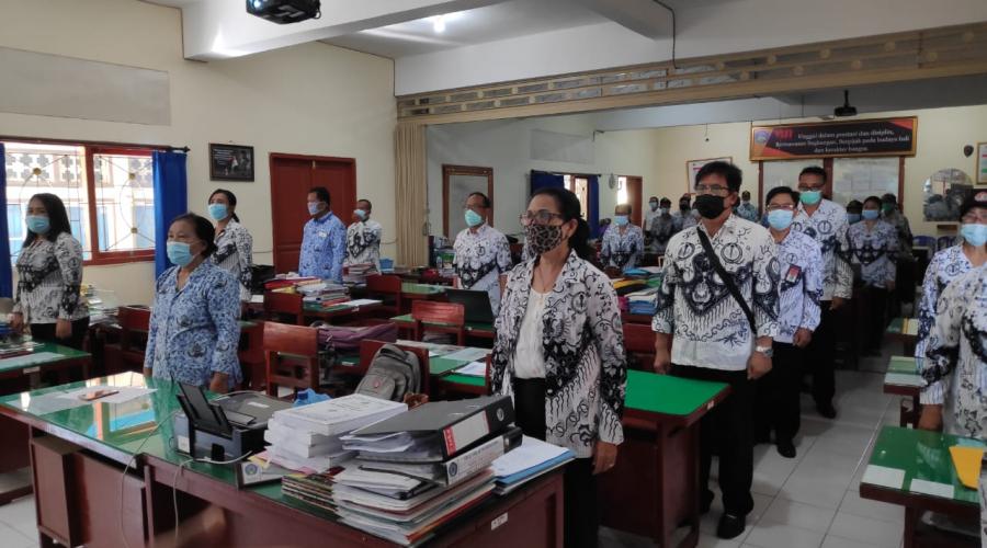 Hari Guru Nasional Dirayakan Kecil-Kecilan di SMA 1 Sukawati Tak Membuat Para Insan Berjasa di Sekolah Ini Patah Semangat