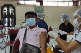 Pelaksanaan Kegiatan Vaksinasi bagi seluruh Guru, Pegawai, dan Perangkat SMA Negeri 1 Sukawati Menuju Pembelajaran Tatap Muka