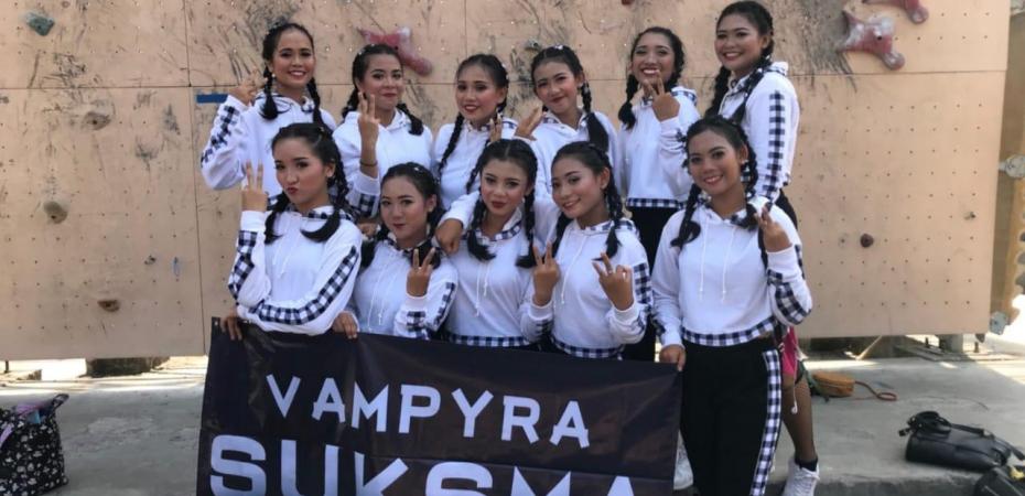 Vampyra Dance