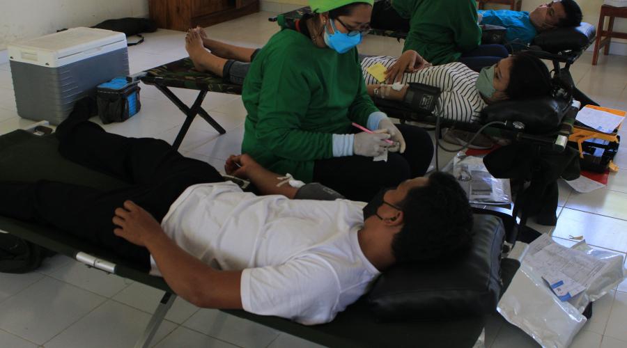 Pelaksanaan Kegiatan Donor Darah di SMA Negeri 1 Sukawati